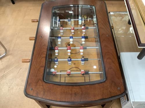 テーブルのフットボールテーブル