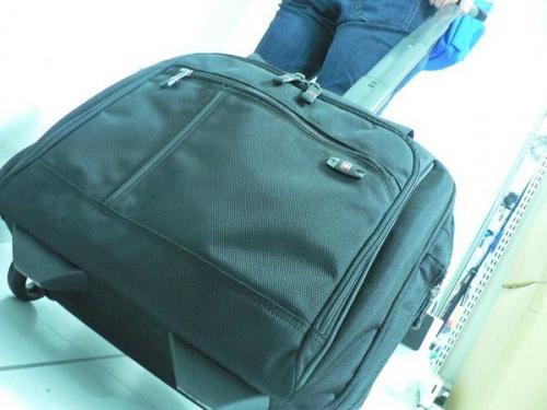 雑貨のキャリーバッグ