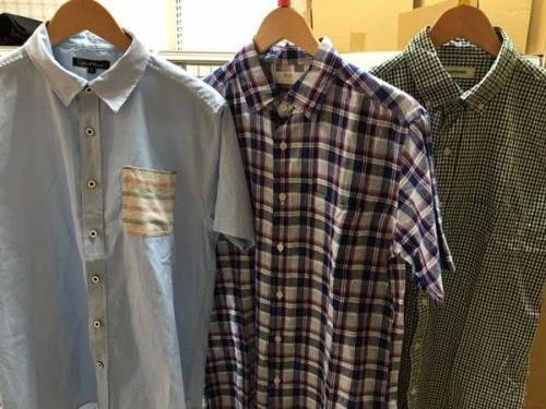 ポロシャツの半袖シャツ