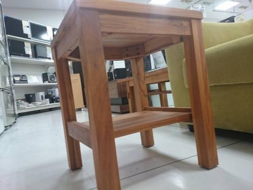 サイドテーブルのウニコ(UNICO)