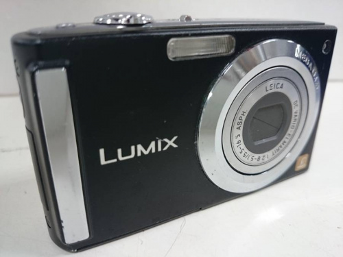 デジタルカメラのヘッドホン