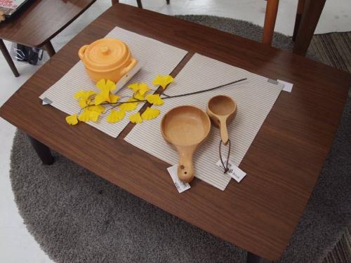 コタツテーブルのダイニングチェアー