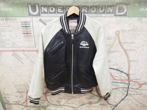 コートのダウンジャケット