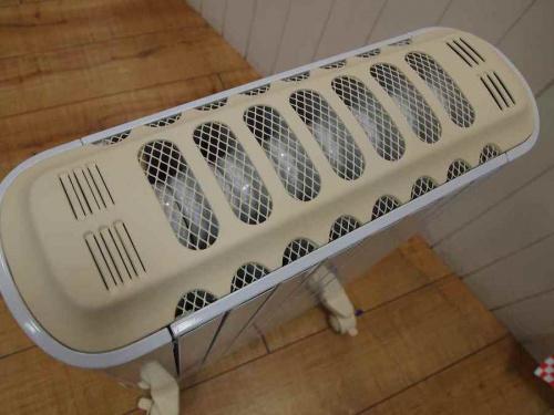 暖房器具のデロンギ