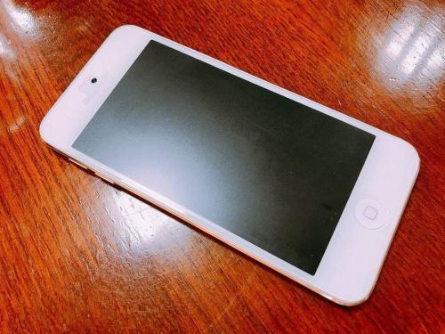 スマートフォンのアップル