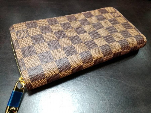 財布のLOUIS VUITTON