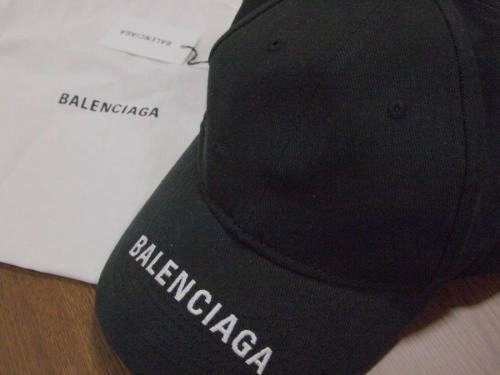 BALENCIAGAのTシャツ