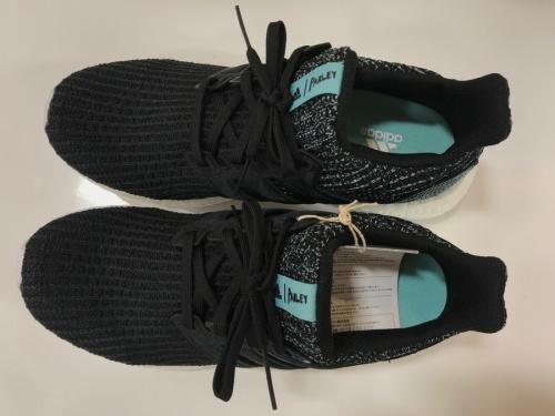 adidasのスニーカー