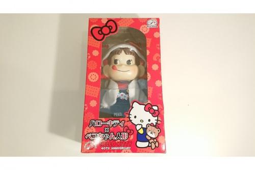 ハローキティのペコちゃん人形