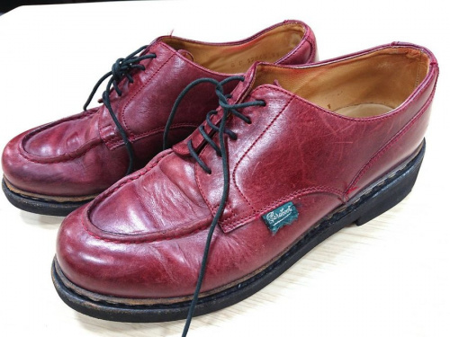 靴のチャッカブーツ