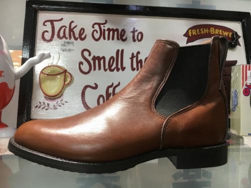 ブーツのRED WING