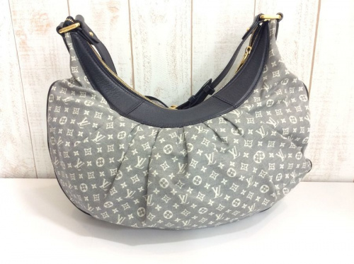 LOUIS VUITTONのバッグ・財布