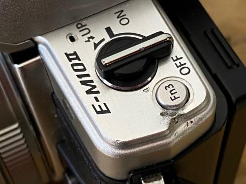 デジタル一眼レフカメラ ダブルゾームキットのOLYMPUS