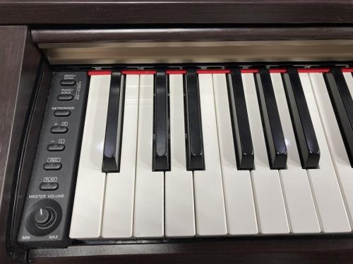 ベースのピアノ