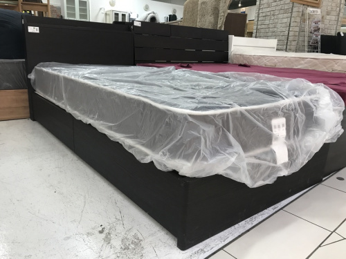 テーブルのソファー ベッド