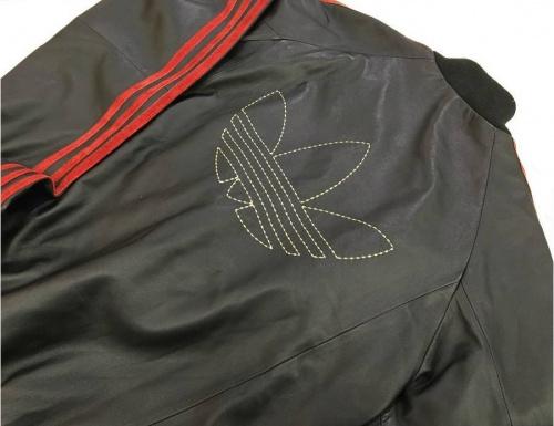 トラックジャケットのレザージャケット