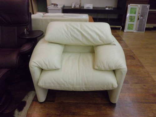 ソファーのcassina