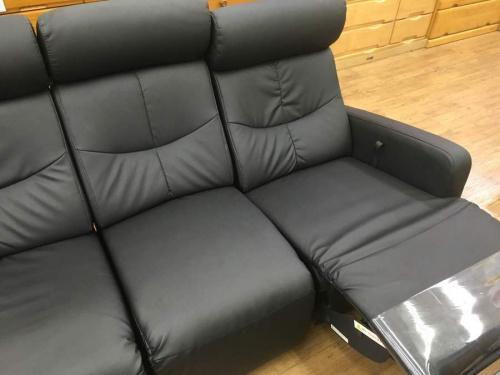 3人掛けソファーのブラック