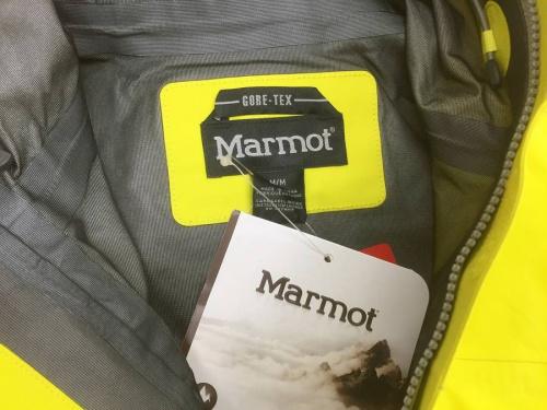 ジャケットのMarmot