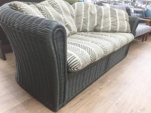 ソファーのラタン