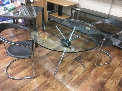 テーブルの北越谷