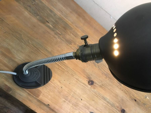 照明のインダストリアル