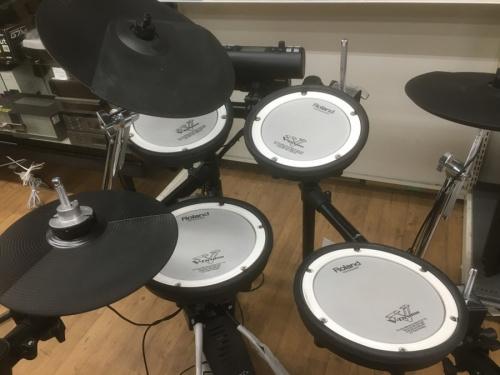 楽器の電子ドラム