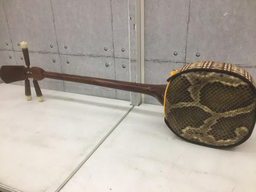 楽器の三線