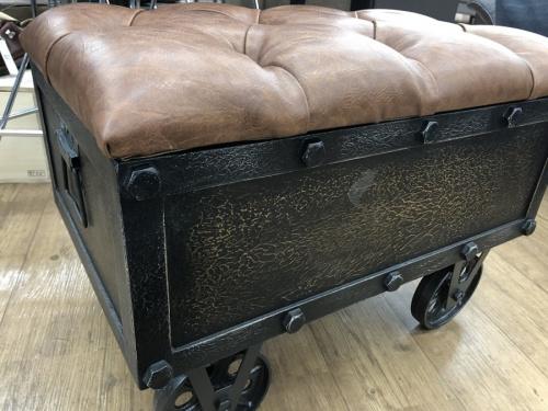 ソファのベンチ