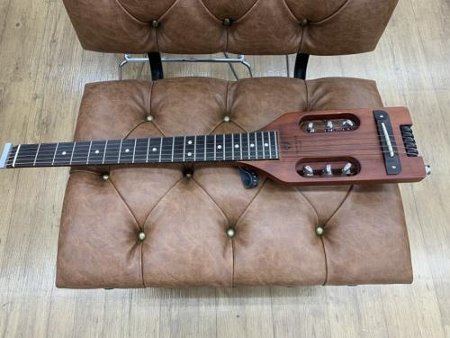ギターのトラベラーギター