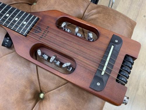 トラベラーギターのTRAVELER GUITAR
