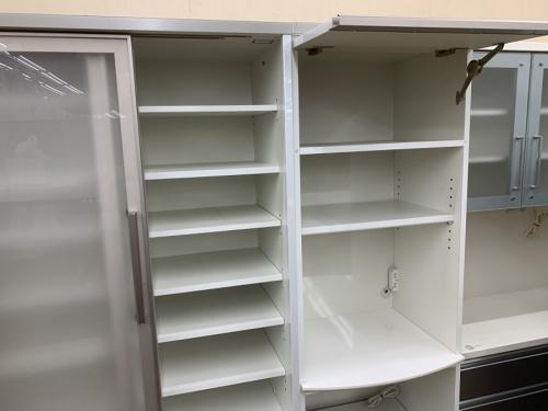 カップボード・食器棚のベンチ