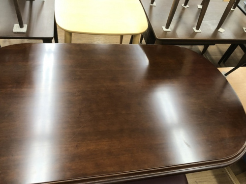 テーブルのダイニングセット