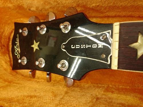 ギターのARIA
