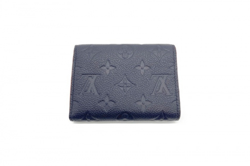 LOUIS VUITTON  ルイヴィトンのバッグ 財布