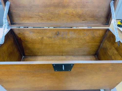 インテリアの収納家具