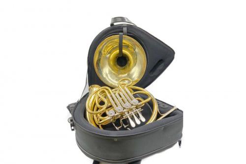 管楽器のフレンチホルン