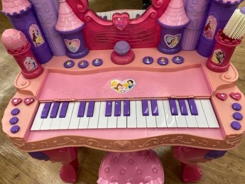 ドレッサーのピアノ