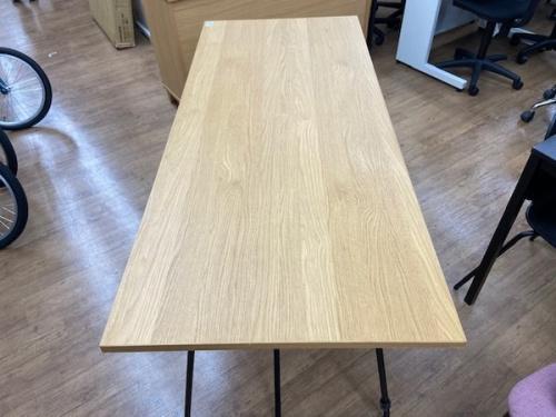 テーブルの折りたたみテーブル