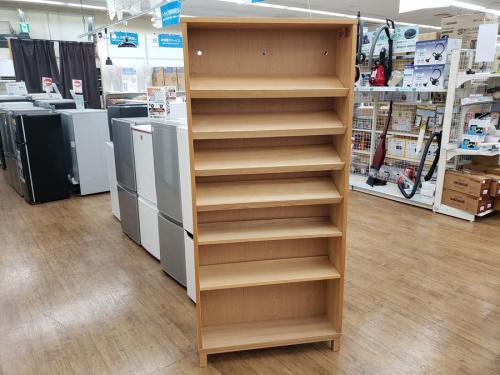 収納家具の本棚