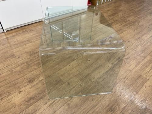 ローテーブルのガラステーブル