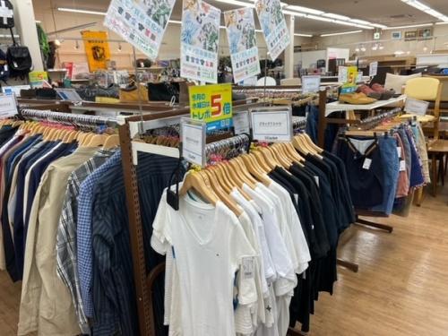 Tシャツ ポロシャツアロハシャツ 柄シャツ 半袖シャツのデニムパンツ ハーフパンツ