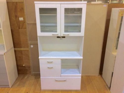 カップボードの食器棚