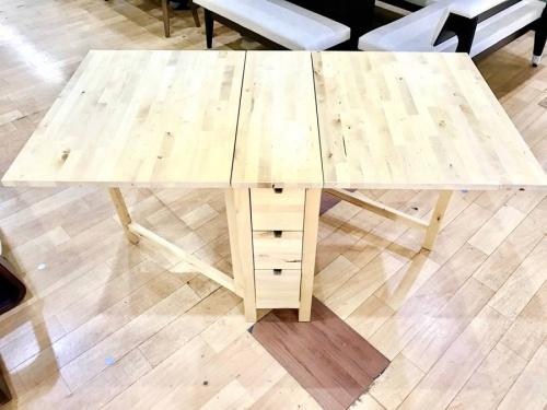 テーブルのIKEA