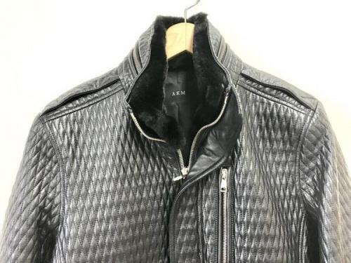 レザーのライダースジャケット