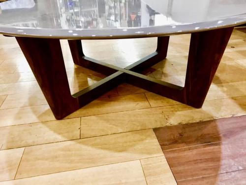 丸テーブルのシギヤマ