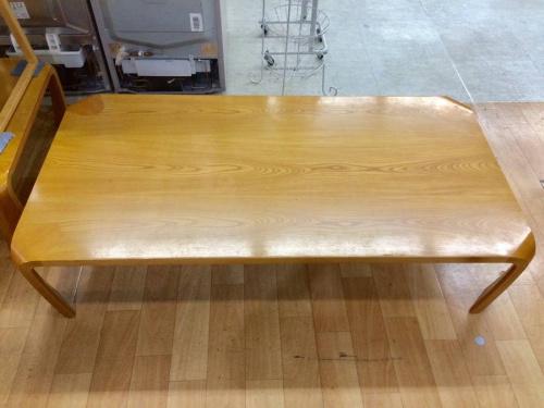 テーブルの座卓