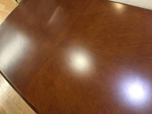 テーブルのMARUNI