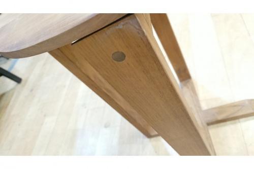 サイドテーブルのソファー