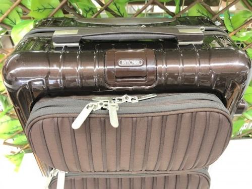 スーツケースのリモワ